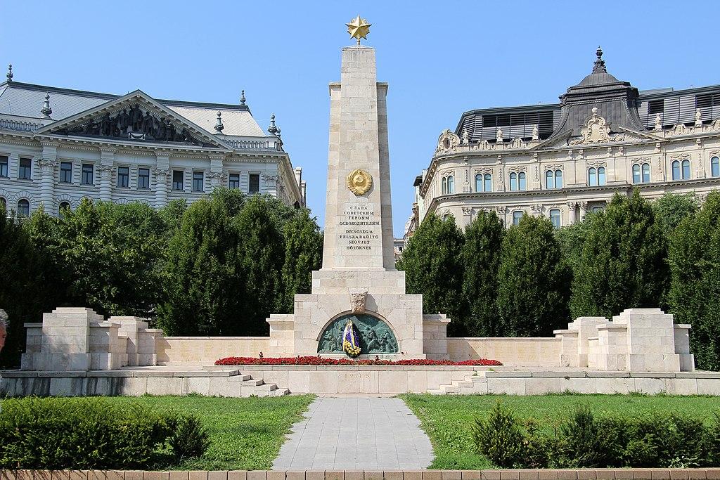 Place de la liberté dans le quartier de Lipotvaros à Budapest - Photo de Fred Romero