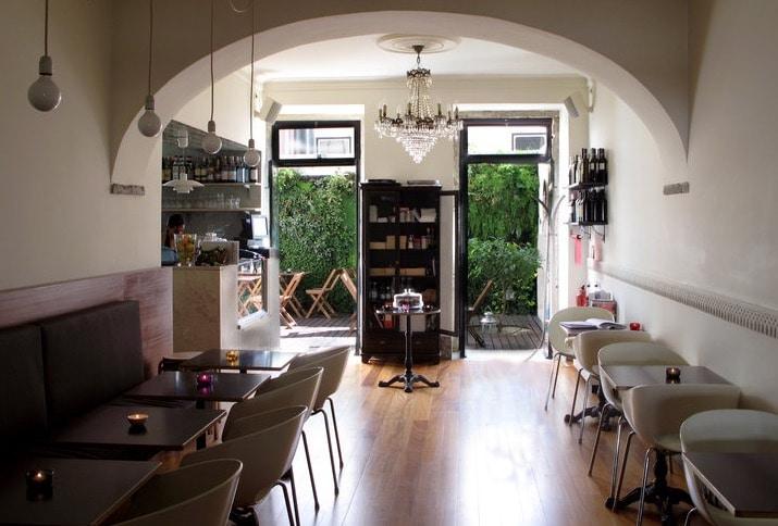 Joli Café Royale dans le quartier du Chiado à Lisbonne.
