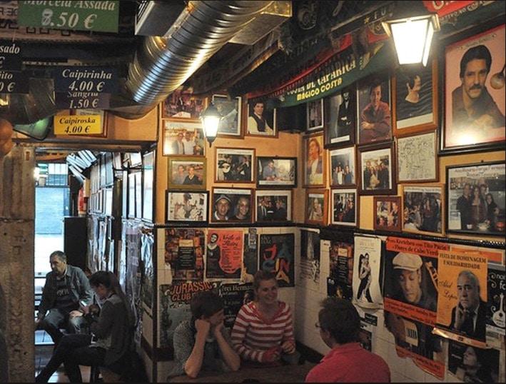 A Tasca do Chico, restaurant et concert de fado à Lisbonne.