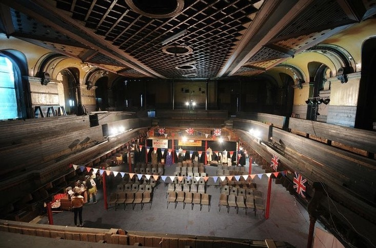 > Scène du Music Hall Britannia Panopticon à Glasgow.