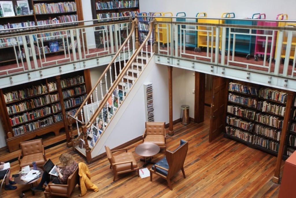 Bibliothèque municipale Kevin Street Library à Dublin