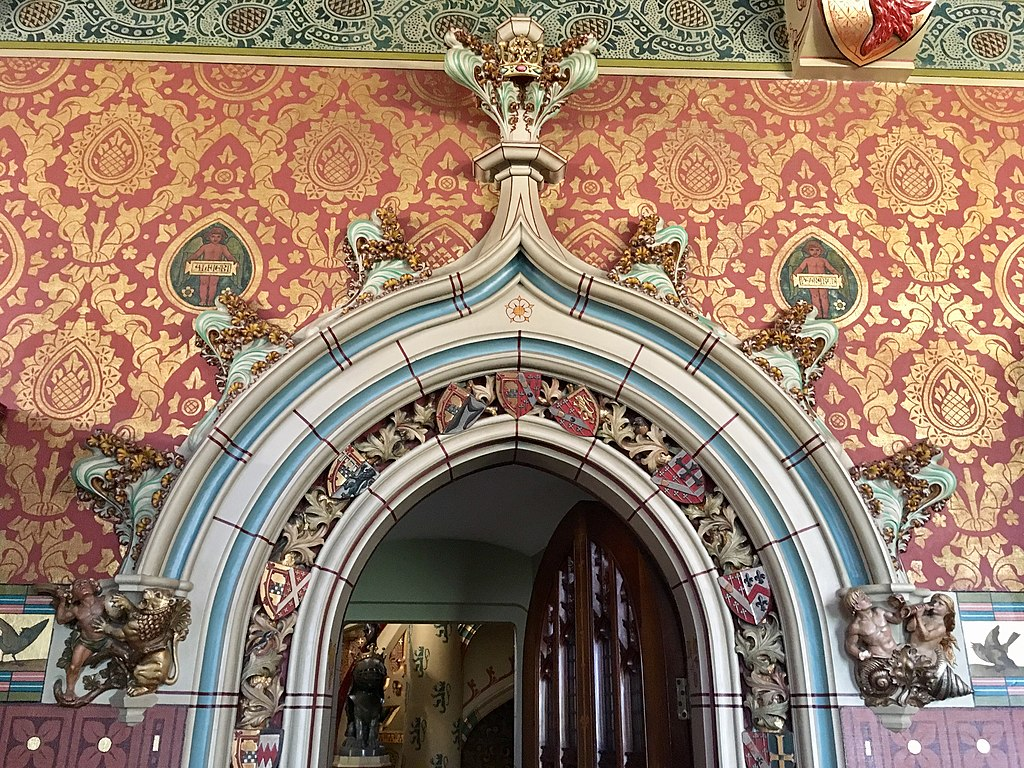 Intérieur néogothique du chateau de Cardiff - Photo de No Swan So Fine