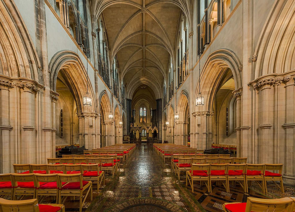 Nave de la Cathédrale ChristChurch à Dublin – Photo de DAVID ILIFF License CC BY SA 3.0.jpg