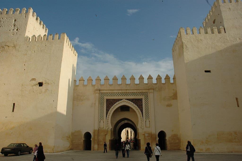 Porte de Bab Dekkakin dans le quartier de Jdid à Fès - Photo de Josep Renalias