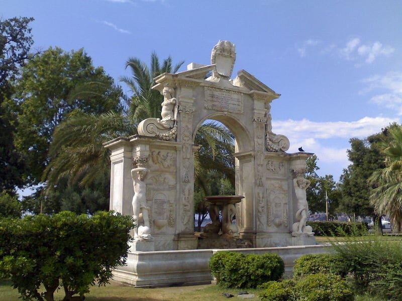 Parc Villa Comunale à Naples : Promenade en bord de mer [Chiaia]