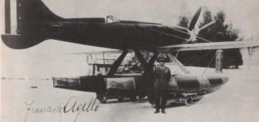 Francesco_Agello_e_Macchi-Castoldi_M.C.722C_Desenzano_10_aprile_1933.jpg