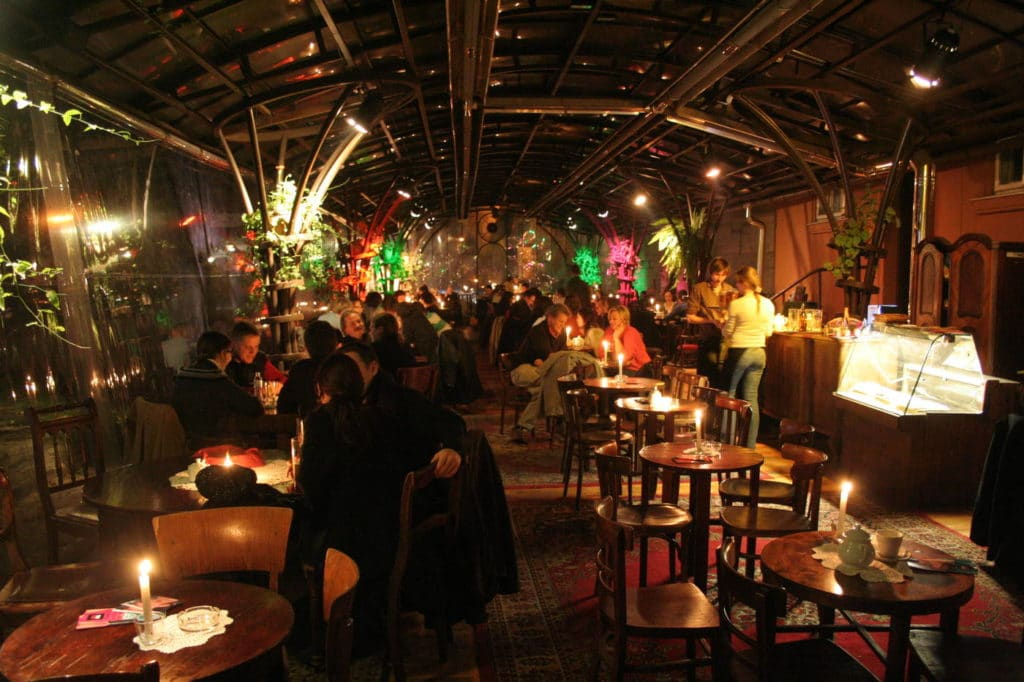 Agréable café du Bunkier sztuki à Cracovie [Vieille ville]