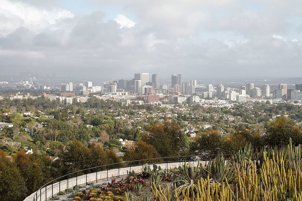 Vue sur le quartier de Wilshire à Los Angeles depuis le musée d'art Getty Center de Los Angeles - Photo de KimonBerlin