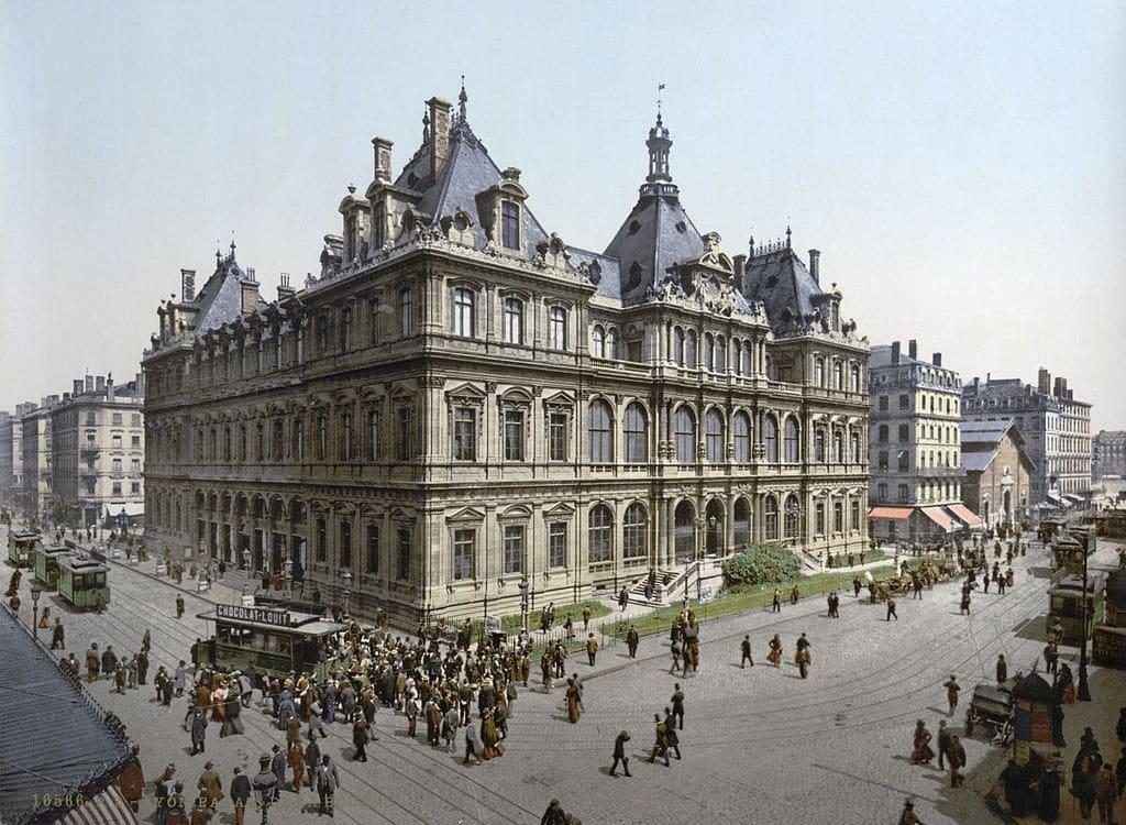 Bourse de Lyon sur la Presqu'île de Lyon en 1900.