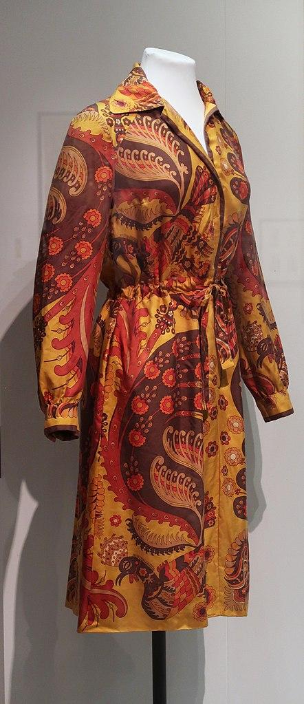 Dans le Musée des Tissus et de l'art décoratif à Lyon, Hermes sport 1972 - Photo de Ismoon