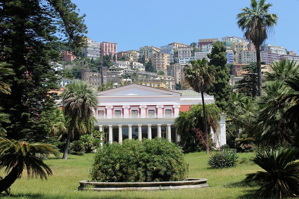 Jardin et façade de la Villa Pignatelli à Naples - Photo de Miguel Hermoso Cuesta