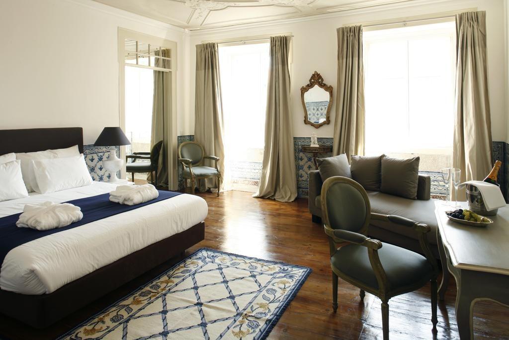 Chambre élégante de l'hôtel Palacio Ramalhete à Lisbonne