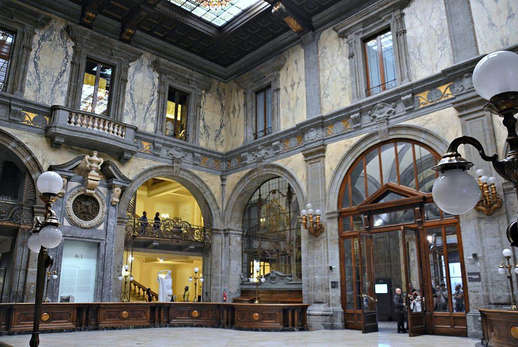 A l'intérieur du Palazzo Zevallos à Naples - Photo de Mentnafunangann