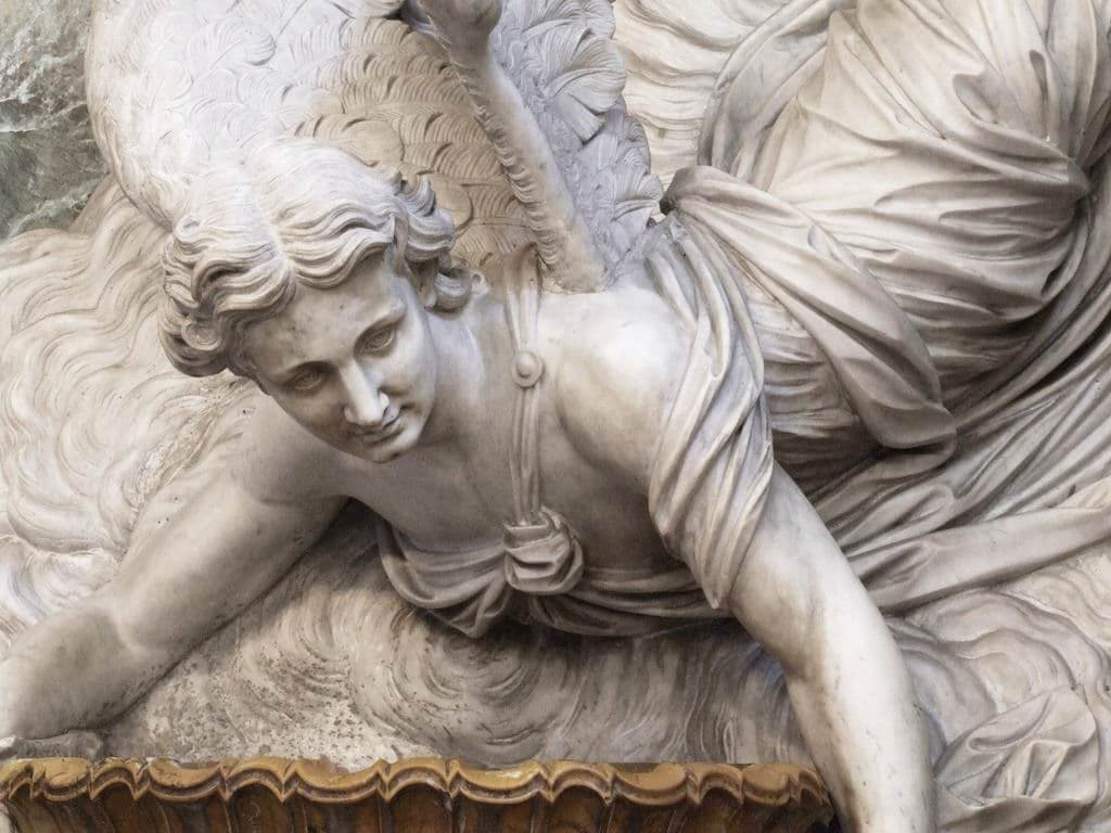 Statue d'ange dans l'église San Giuseppe dei Teatini à Palerme -Photo de gnuckx
