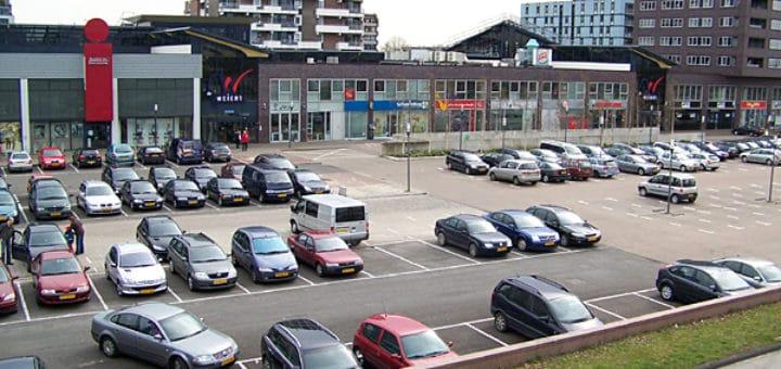 Parking_lot_Emmen.jpg