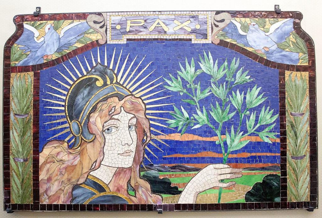 """Mosaique art nouveau """"Pax"""" par Róth Múzeum à Budapest."""