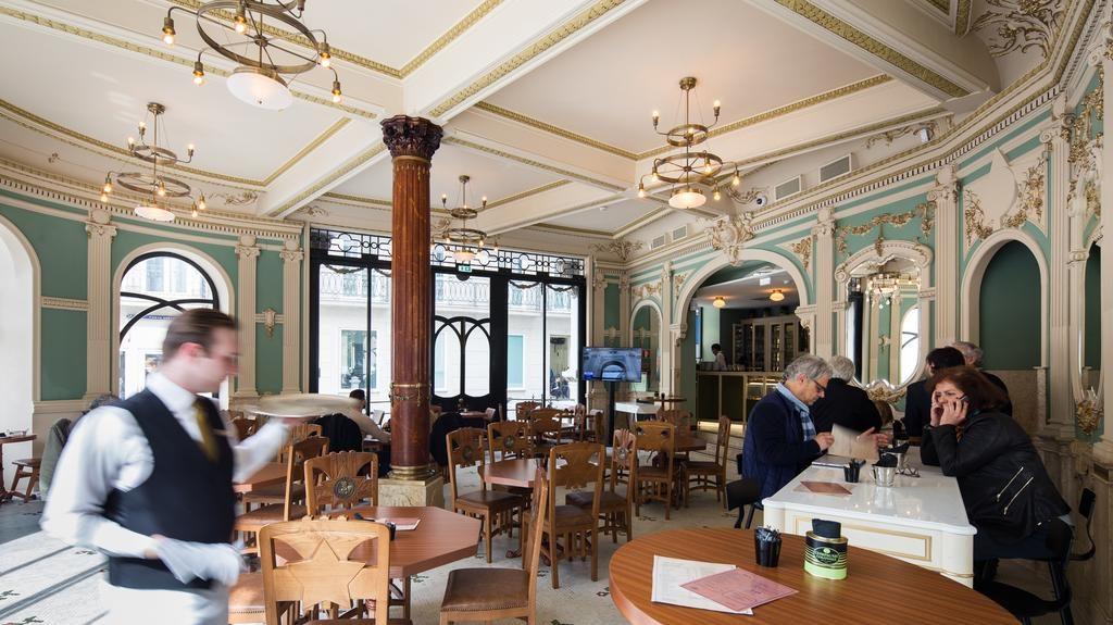 Dans le café de l'hôtel Pestana Porto - A Brasileira à Porto.