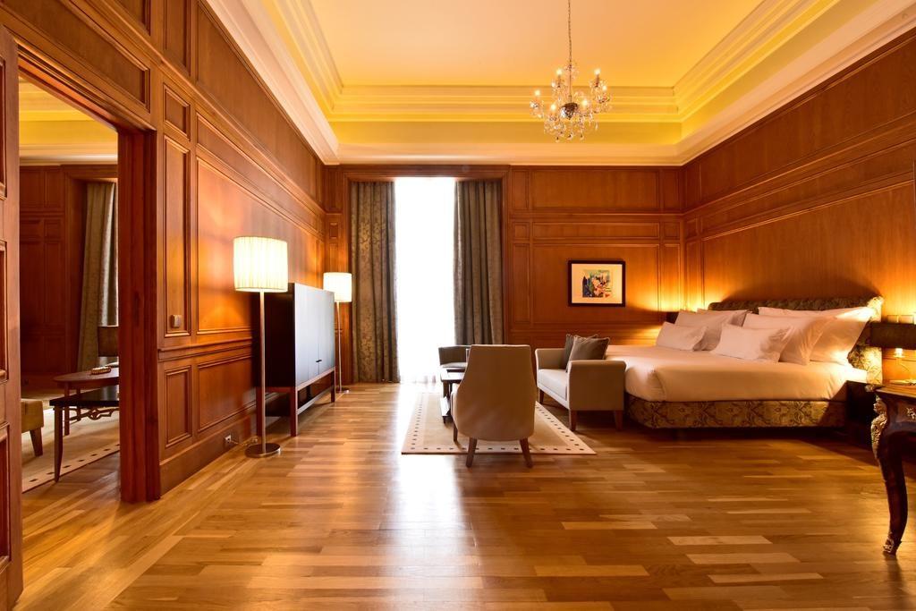 Suite spacieuse de l'hôtel Pousada de Lisboa à Lisbonne.