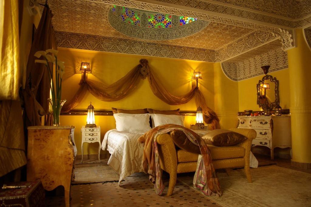 Décor des 1001 nuits au Riad Ibn Battouta & Spa à Fès.