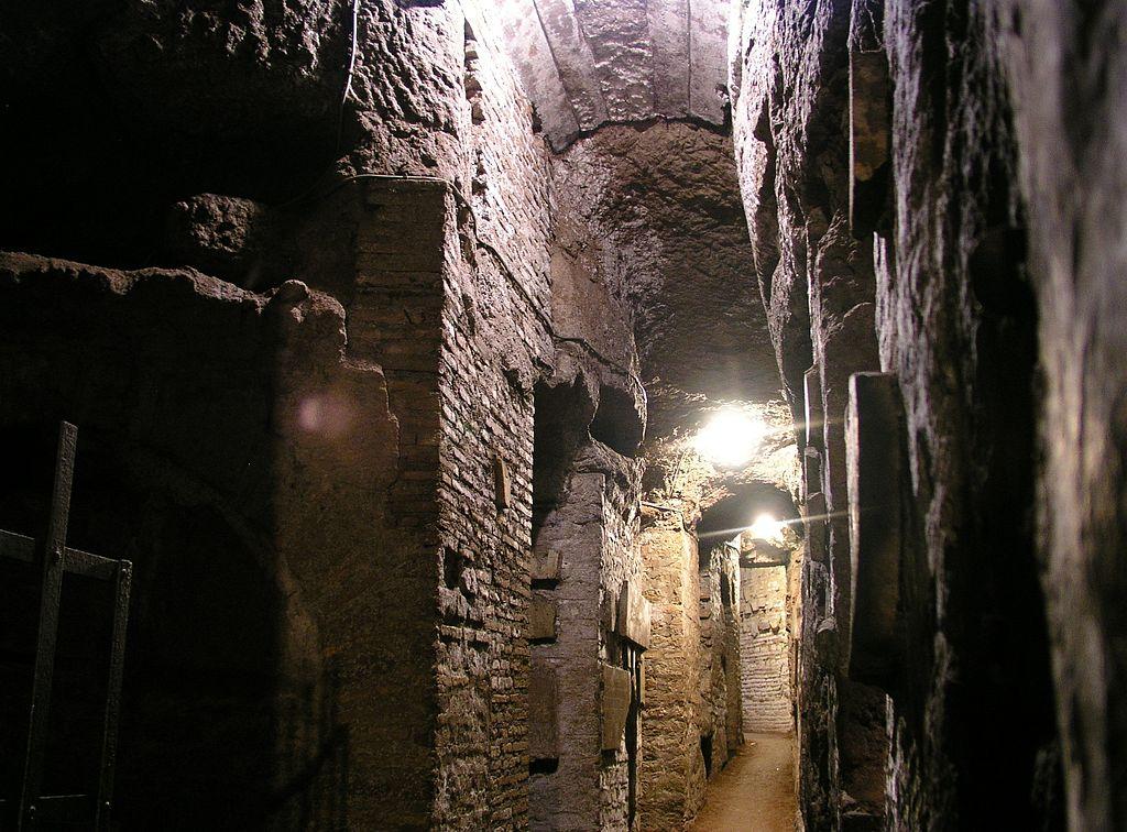 Catacombes au sud du quartier de Testaccio-Ostiense à Rome - Photo de Dnalor_01