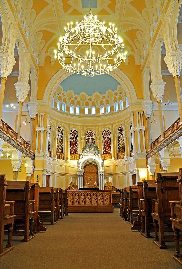 Intérieur de la Grande synagogue chorale de Saint Petersbourg - Photo de Dennis Jarvis