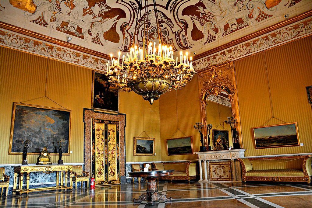 Palais Royal de Naples : Salle XV (Palazzo Reale di Napoli) - Photo de Mentnafunangann