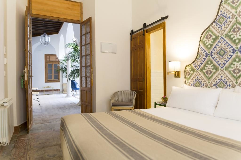 Simple et joli et pas cher : Santiago 15 Hotel Casa Palacio à Séville.