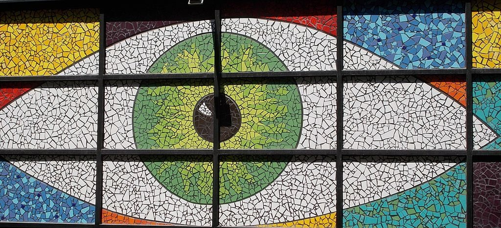 Mosaique sous forme d'oeil dans le 7e arrondissement de Budapest - Photo de Globetrotter19
