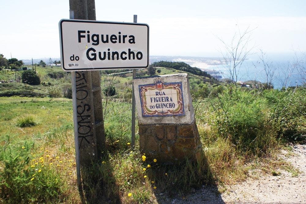 Plages de Cresmina et Guincho près de Sintra dans le fond à droite