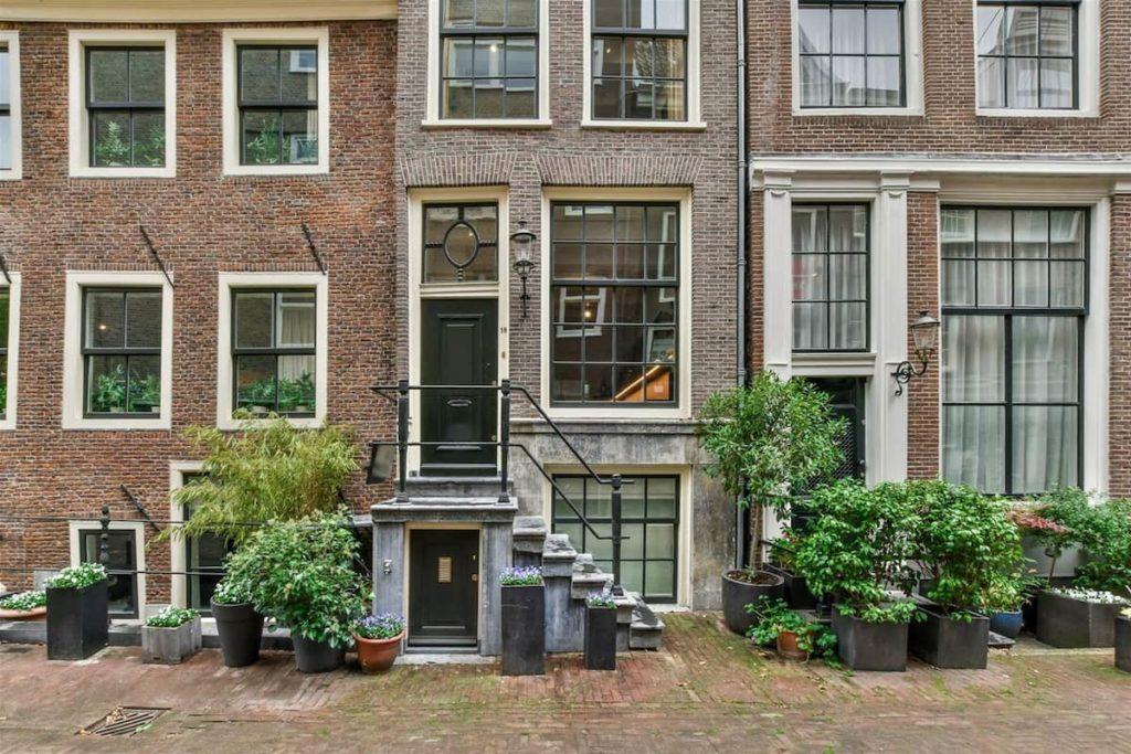 Airbnb à Amsterdam : Location de courte durée dans le superbe quartier des canaux.