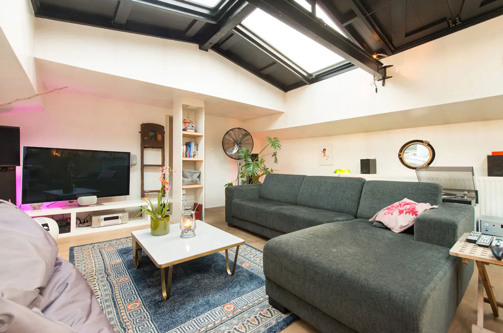 Airbnb à Amsterdam : Loger dans une agréable péniche pendant votre séjour.