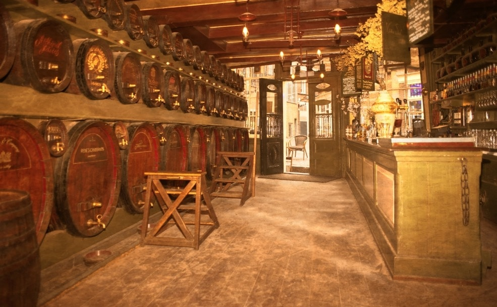 7 lieux où boire du genièvre à Amsterdam