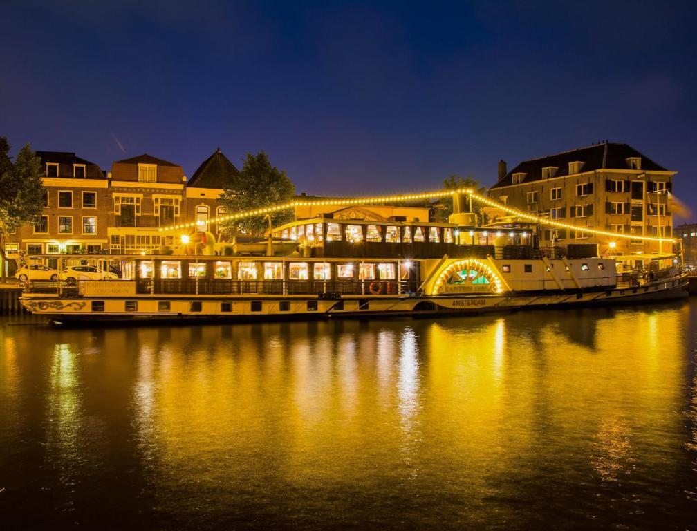 Kapitein Anna, bateau / péniche à louer à Amsterdam.