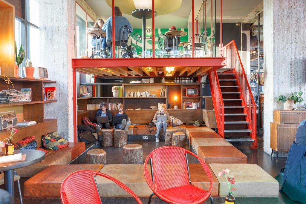 Volkshotel Amsterdam, hotel insolite à Amsterdam.