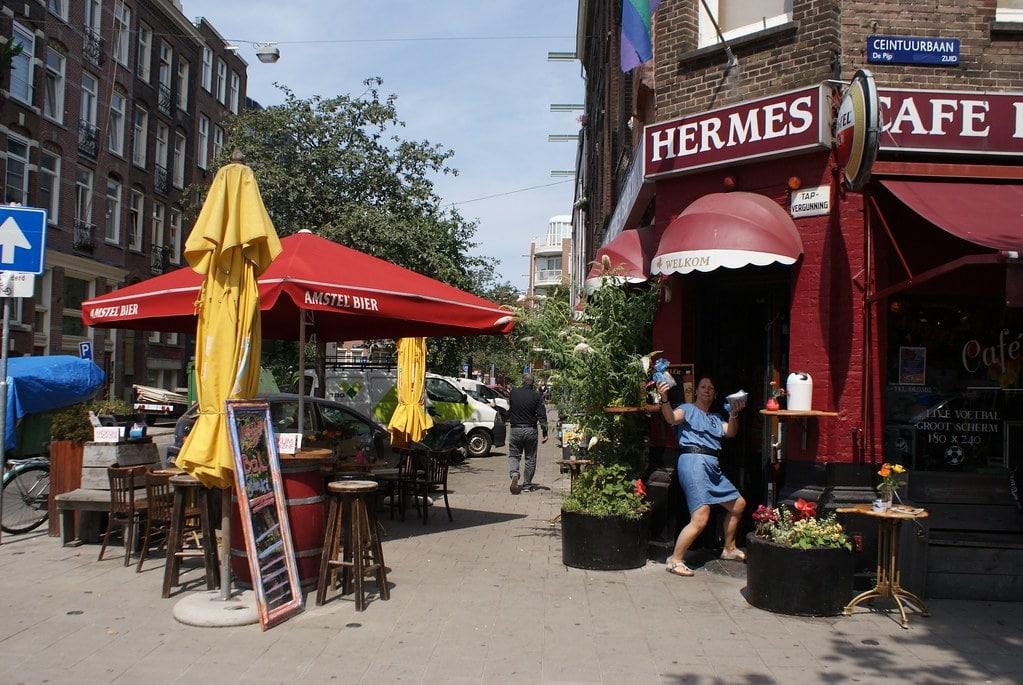 Bar sympa dans le quartier du Pijp à Amsterdam.