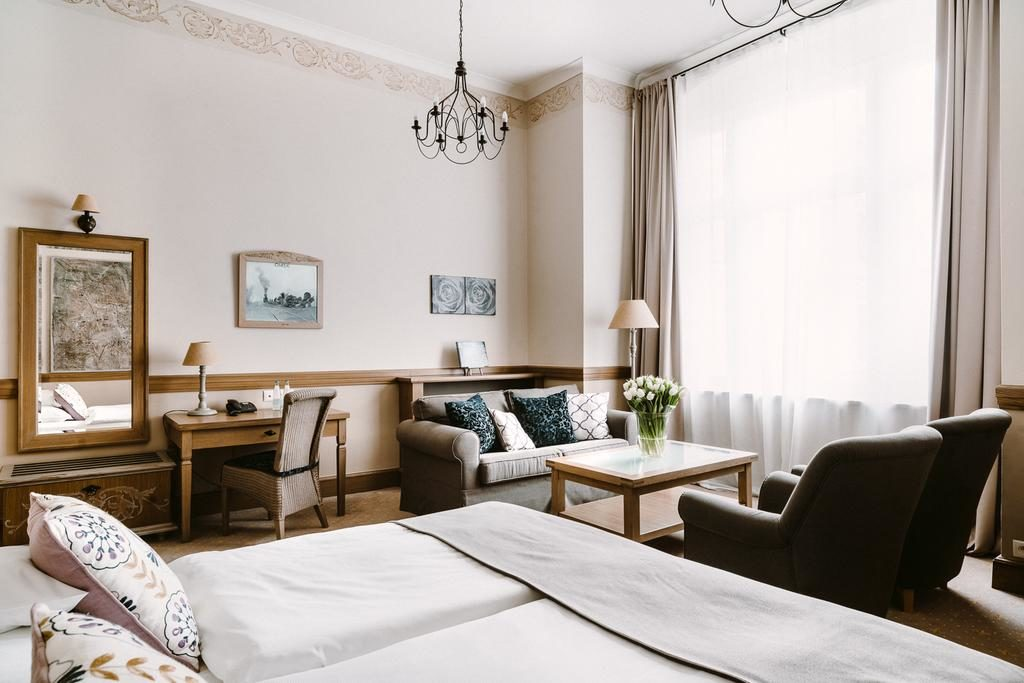 Bel hôtel classique avec l'Art Hotel à Wroclaw.