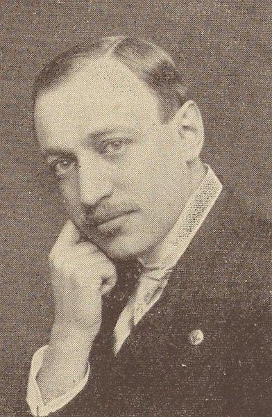 Glück Julius était ingénieur et un espérantiste allemand assassiné à Auschwitz.