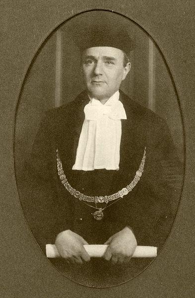 Herman Frijda est un économiste juif néerlandais, professeur d'économie à l'Université d'Amsterdam. Assassiné à Auschwitz.