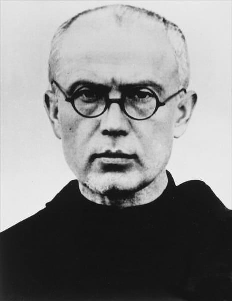Maximilian Kolbe, prêtre catholique ayant choisi la mort à la place d'un autre homme, assassiné à Auschwitz.