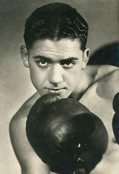 """Victor """"Young Perez"""" est un champion de boxe français (juif tunisien) assassiné à Auschwitz."""