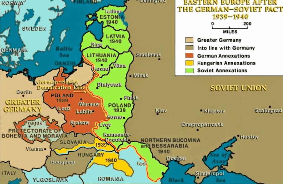 Pacte Ribbentrop-Molotov : L'accord germano-soviétique de partage de la Pologne et de l'Europe de l'est.