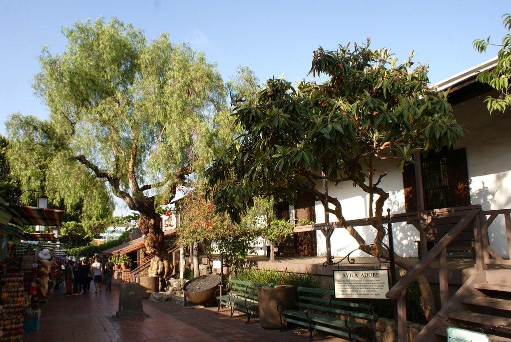 Le centre historique de Los Angeles avec la plus ancienne maison de LA : Avila Adobe date de 1818.