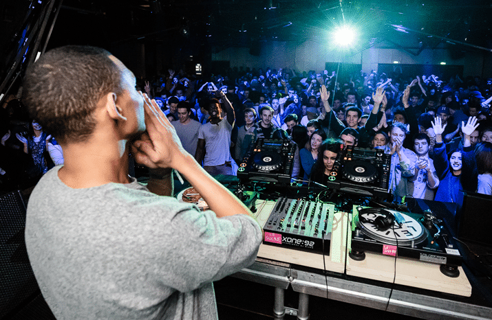 Le Sucre : Soirées DJ et concerts en rooftop à Lyon [Confluence]