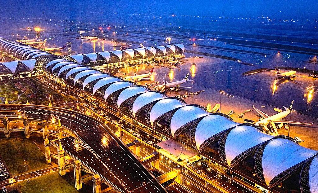 Aéroport Suvarnabhumi de Bangkok en Thailande - Photo de Juro Clash