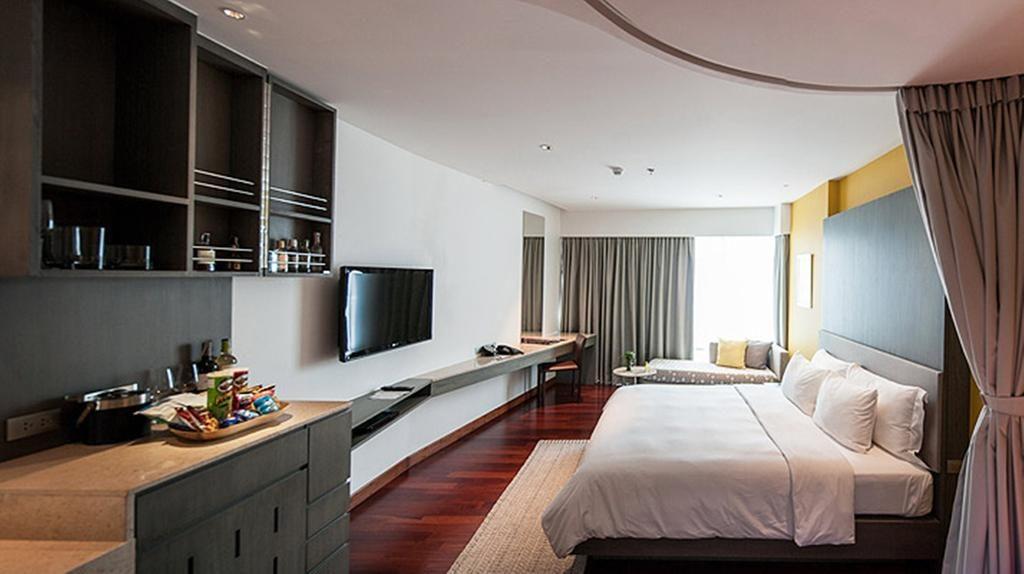 Chambre moderne dans le LiT BANGKOK Hotel.
