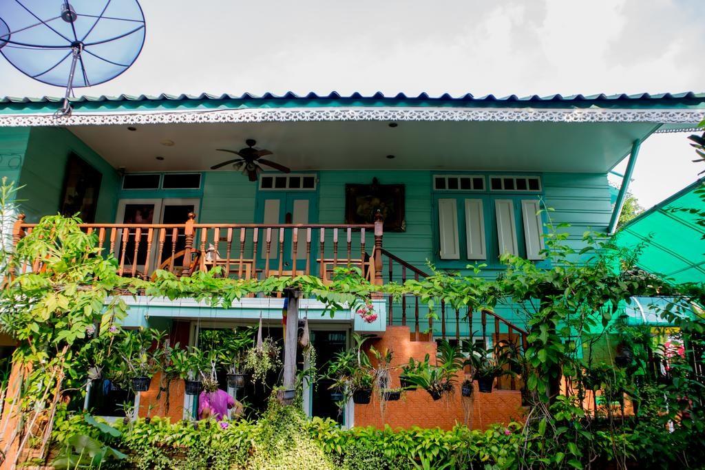 Hotel Samsen Sam place à Bangkok : Tranquille, bien situé et vraiment pas cher.