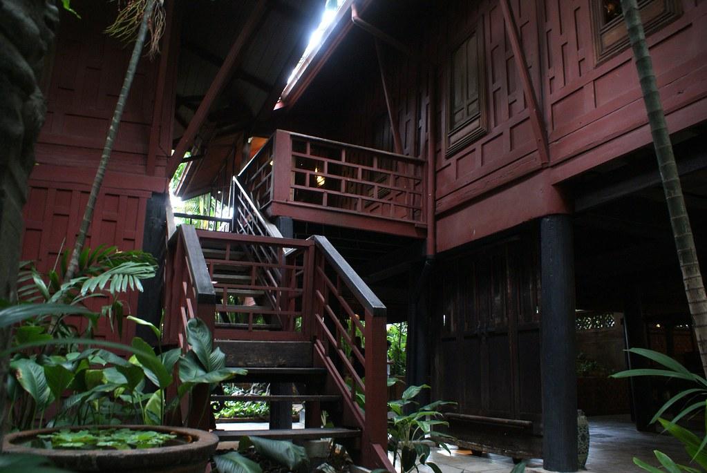 Une des maisons sur pilotis du musée Jim Thompson à Bangkok.