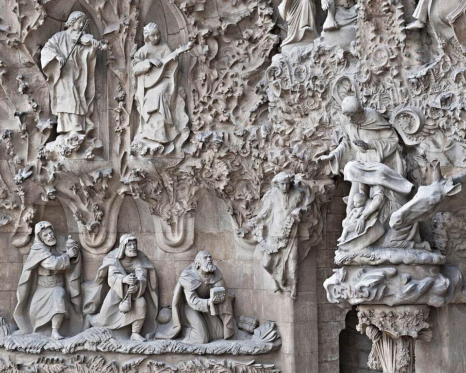 Rois mages sur la façade de la nativité sur la basilique de la Sagrada Familia à Barcelone - Photo de Richard Mortel