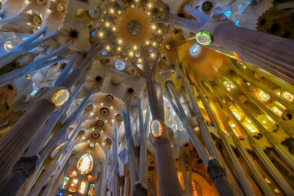 Plafond de la Basilique de la Sagrada Familia à Barcelone - Photo de Jorge Franganillo
