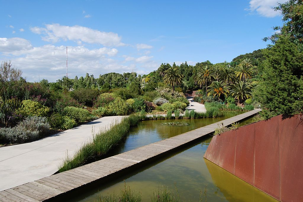 A l'entrée du Jardin Botanique de Barcelone sur la colline de Montjuic - Photo de Felix Konig